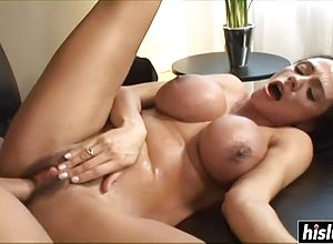 latina,brunette,cumshot,hardcore,matures,facials,babes