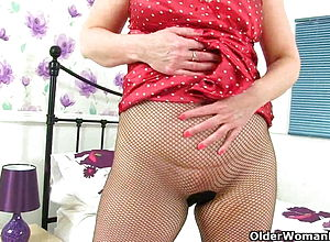 Mature,milf,british,granny,nylon