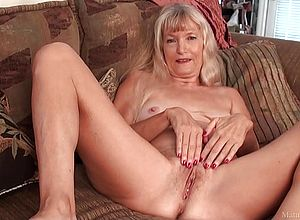 Skinny,masturbation,close Up,granny,1080p,fullhd,60fps