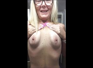 amateur,mature,milf,hd Videos,wife,pussy