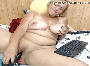 Thick tits,big butt,milf,matures,webcams