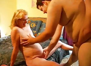 amateur,matures,milf,threesome,cuckold