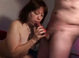 straight,blowjob,brunette,facial,mature,webcam