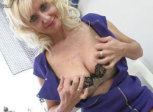 amateur,mature,milf,granny,hd videos,cougar,mature Nl