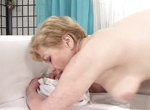 straight,mature,hairy,creampie,blonde