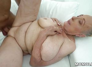 mature,granny,hd videos,saggy knockers