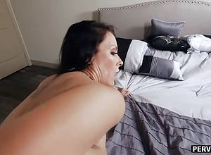 Big butt,milf,big Tits,brunette,matures,doggy Style,stepmom,reality,solo