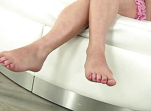 brunette,fetish,foot fetish,hardcore,milf