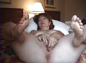 amateur,solo,masturbation,matures,milf,public Nudity,dildo,feet,hotel