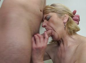 Amateur,blowjobs,granny,milf,matures,old young,young
