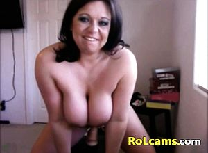 Amateur,big boobs,brunette,masturbation,milf,solo,toys,webcam