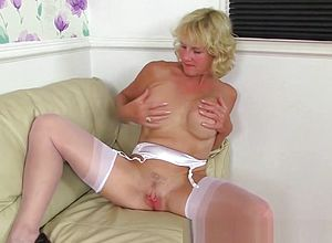 Mature,straight,british,masturbation