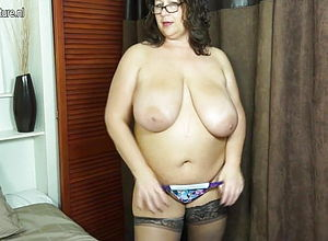 amateur,mature,milf,hd videos,big innate tits,big Tits,mature nl