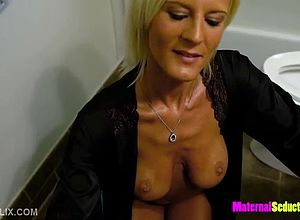 amateur,solo,blonde,blowjobs,handjob,matures,milf