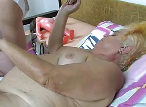 cunnilingus,grannies,mature